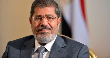 صورة مرسي يبحث مع أجهزة الدولة سبل الاستفادة من «تدوير القمامة»