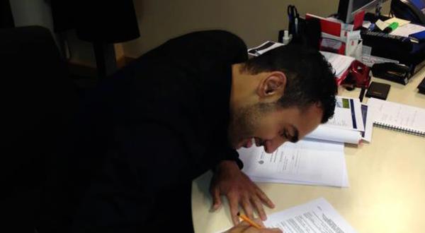أحمد المحمدي يوقع لهال سيتي