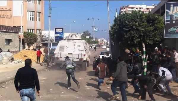 متظاهرى بورسعيد دبابة