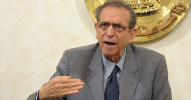 حسام عيسى وزير التعليم العالى ونائب رئيس الوزراء