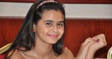 صورة بالصور.. منة عرفة في جلسة تصوير جديدة بمكياج غيرت من ملامحها