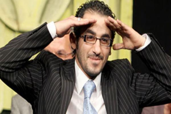 صورة حلمي ينشر أسماء أفلامه مقابل الأبراج