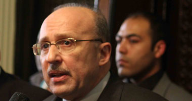 صورة وزير الصحة السابق : 65% من المصريين فوق الـ 60 عام لديهم هشاشة العظام.