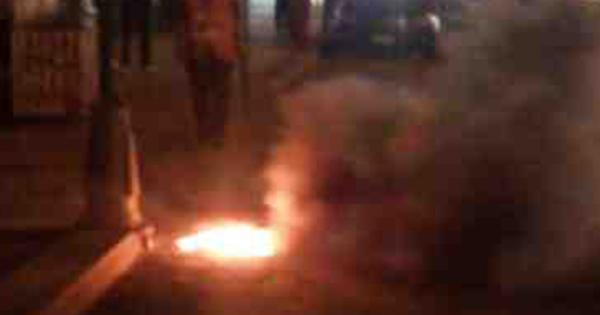 صورة شهود : مصرع شخص أثناء مروره بسيارته في انفجار كوبرى أبوحماد