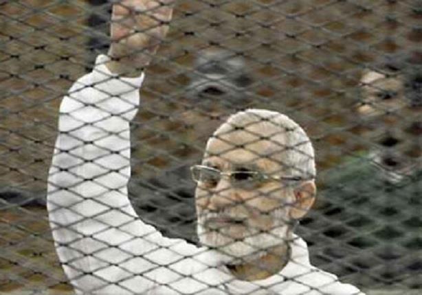 صورة الحكم بإعدام بديع وسلطان و 12 آخرين والمؤبد  ل37 في غرفة عمليات رابعة