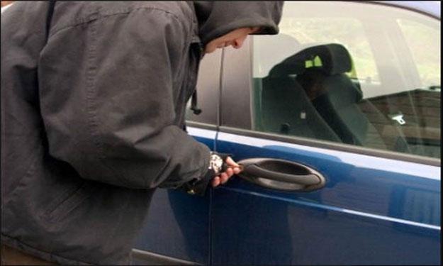 صورة كشف لغز سرقة سيارة تابعة لرئاسة الجمهورية