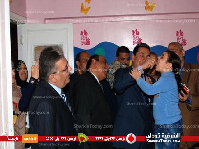 صورة محافظ الشرقية يفتتح الحملة القومية للتطعيم ضد شلل الأطفال بالزقازيق