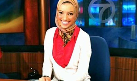 صورة تعيين أول مذيعة مسلمة محجبة بالتليفزيون الأمريكي