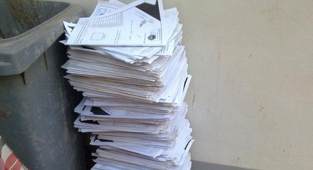 صورة شاهد   مدرس إنجليزي يستقيل في ورقة امتحان طالب بسبب الإجابات