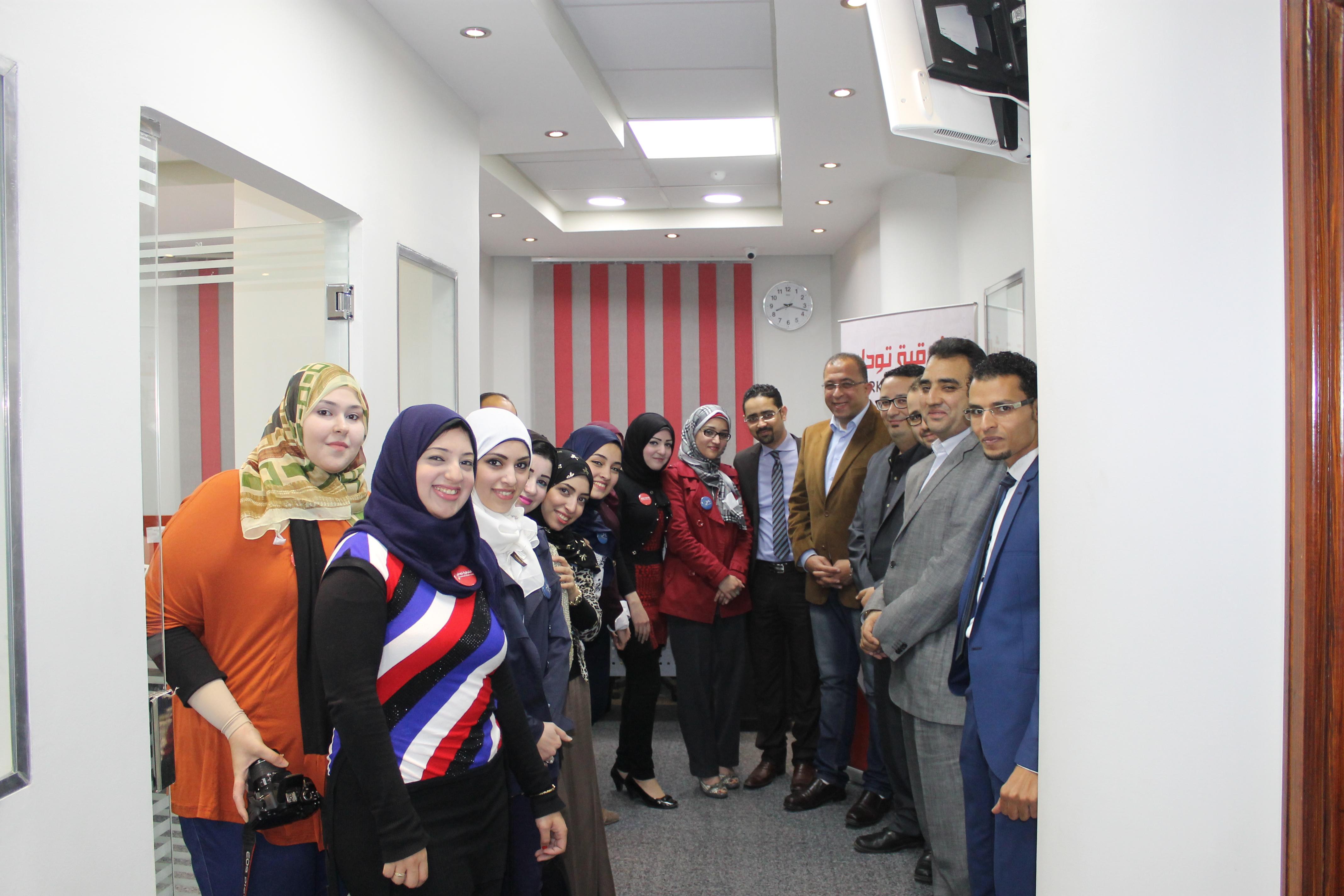 صورة شاهد : وزير التخطيط في زيارة لمقر «الشرقية توداي» الجديد