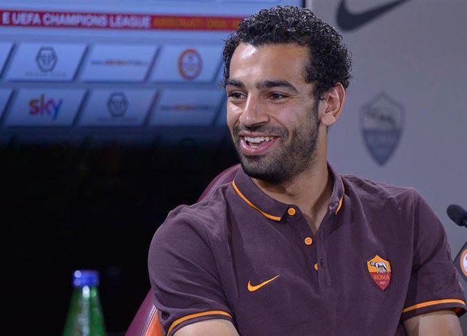 صورة محمد صلاح يهنيء لاعب الأهلي بعيد ميلاده