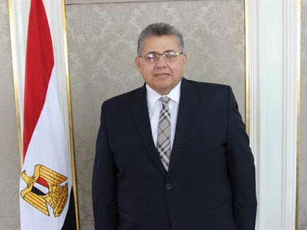 صورة وزير التعليم العالى: فوز 15 موظفا كملحقين إداريين للسفارات بالخارج