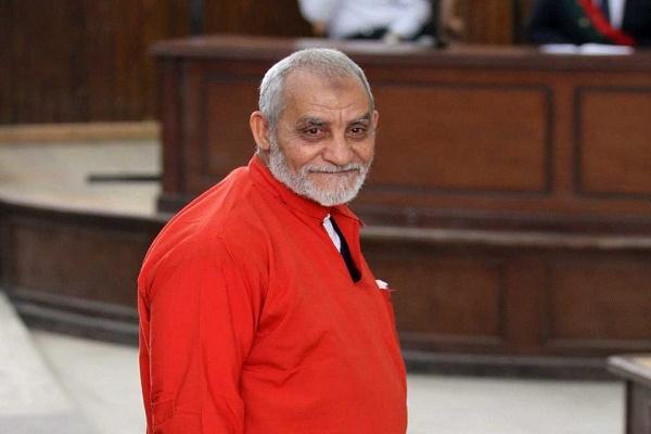 """صورة بدء إعادة محاكمة بديع في قضية """"إقتحام قسم العرب"""""""