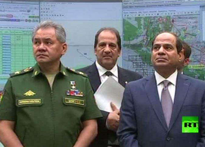 صورة وزير الدفاع الروسي لـ السيسي: داعش أسقطت الطائرة في سيناء