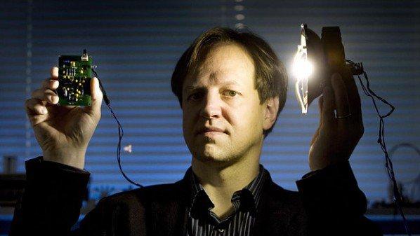 صورة استعدوا لـ Li-Fi .. تقنية تنقل البيانات عبر الضوء أسرع من Wi-Fi بـ 100 مرة