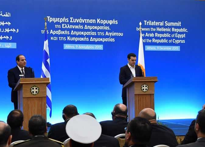 صورة 4 رسائل للسيسي من اليونان