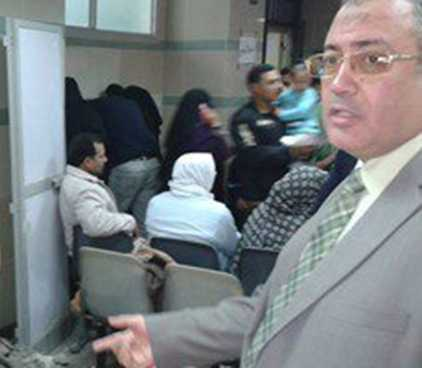 صورة مدير التأمين الصحى بالشرقية يتفقد أعمال التطوير بعيادة المبرة بالزقازيق