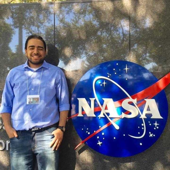صورة بالصور..حكاية شاب من هندسة شبرا إلى وكالة ناسا