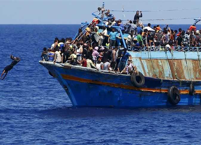 صورة الداخلية تعلن ضبط 10 من كبار سماسرة الهجرة غير الشرعية بالمحافظات