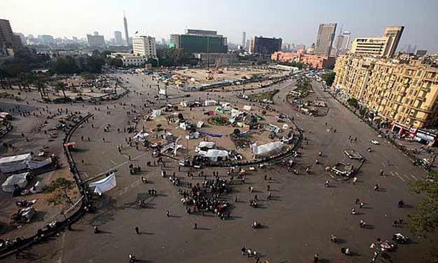 صورة الشرطة تخلى ميدان التحرير من المحتفلين بذكرى ثورة 25 يناير
