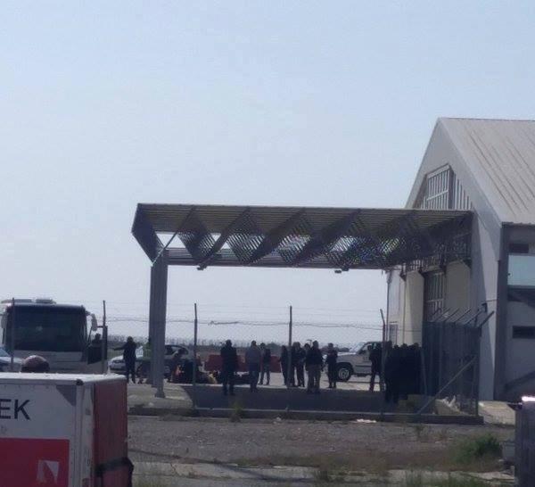 صورة بث مباشر لمتابعة آخر تطورات أحداث الطائرة المصرية المختطفة