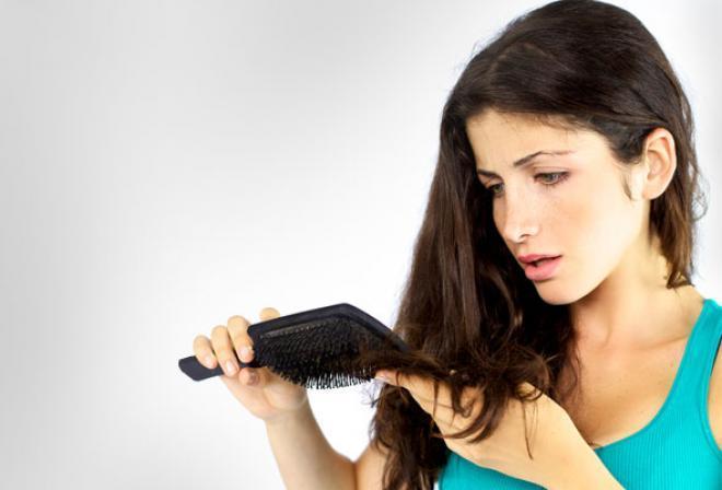 صورة أهم أسباب تساقط الشعر للنساء