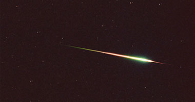 صورة البحوث الفلكية: شهب القيثارة تمطر الأرض اليوم وتستمر حتى 25 إبريل