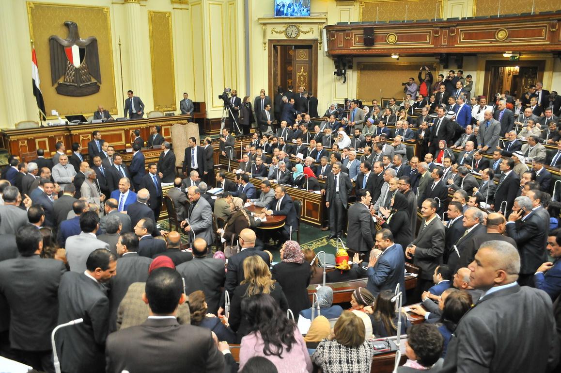 صورة البرلمان يُقر إلزام الأندية بمكافحة شغب الملاعب