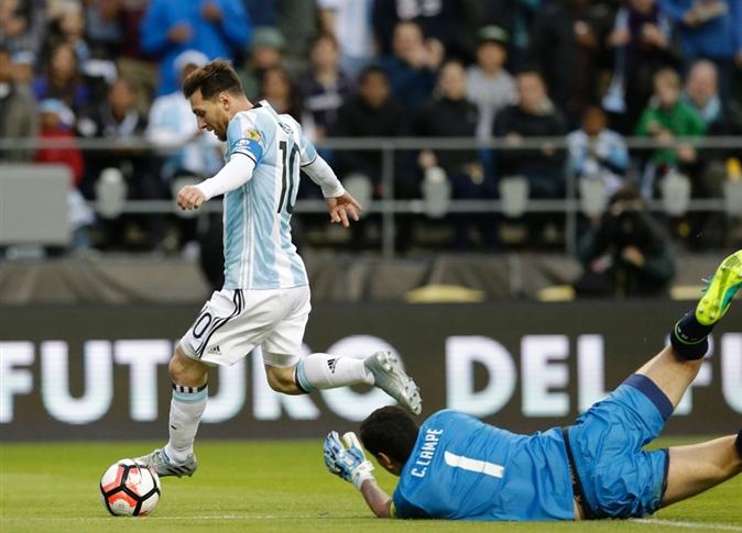 صورة الأرجنتين تسحق شباك بوليفيا بثلاثية وتحجز مقعدًا بدور الثمانية في كوبا أمريكا
