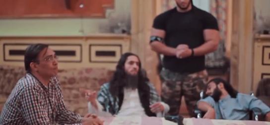 صورة شاهد الدكتور «صفوت» يستسلم لفريق «ميني داعش»