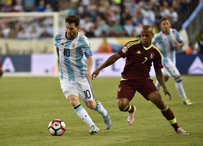 صورة ميسي يعادل رقم باتيستوتا مع منتخب الأرجنتين ويتأهل للمربع الذهبي بـ«كوبا أمريكا»