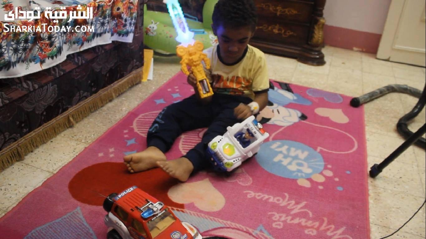 صورة استغاثة من الطفل سيف يعاني من فشل بالنخاع ولا يتحمل السفر للخارج