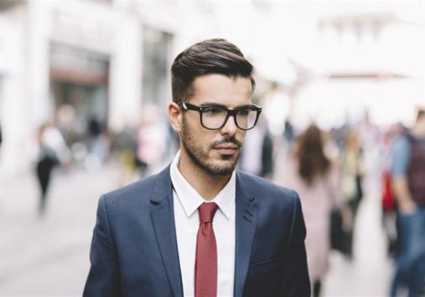 نظارتك تزعجك.. بهذه الطرق يمكنك إخفاؤها