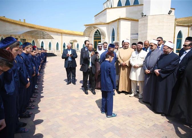 صورة بالفيديو.. استقبال تاريخي لشيخ الأزهر بالشيشان