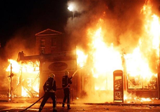 صورة تفحم 16 سيارة ملاكي بحريق المعادي الجديدة.. والنيران تحاصر سكان عقار