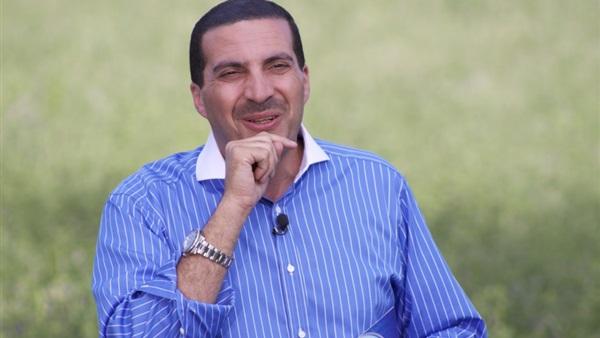 صورة أول تعليق لعمرو خالد بعد الانتقادات الموجهة له حول إعلان دجاج «الوطنية»