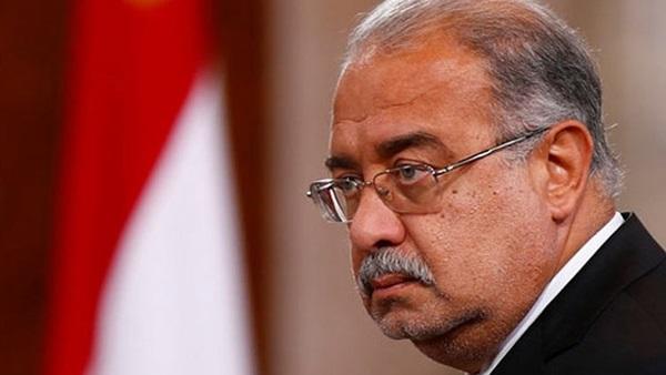 صورة إسماعيل يلتقي وزيري الكهرباء والاستثمار لبحث خطط الطاقة المتجددة