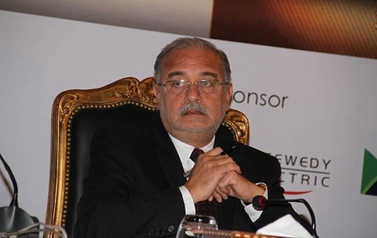 صورة رئيس الوزراء يصدر قرارا بضم مواطنة لضحايا طائرة مصر للطيران المنكوبة