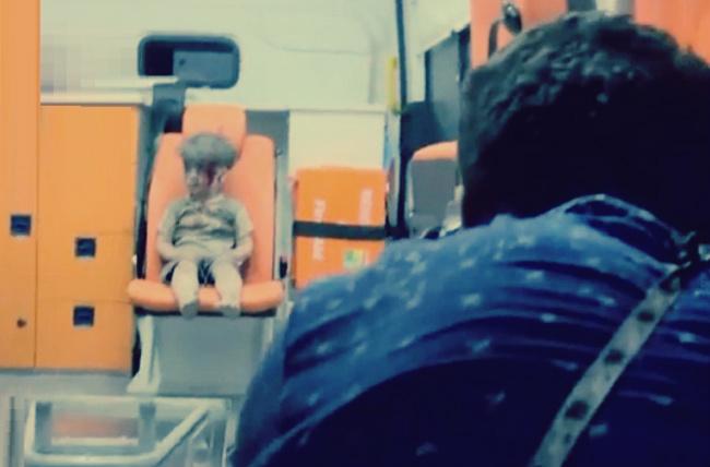 صورة ملتقط صورة طفل حلب يروي كواليس اللقطة: لم يكن عمران الطفل الوحيد