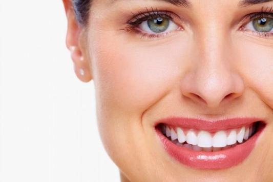 صورة وداعا للرعب من طبيب الأسنان..ابتكار بخاخة بنج عن طريق الأنف تغنى عن الحقن