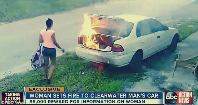 صورة فتاة تنتقم من حبيبها السابق: أشعلت النيران في سيارته