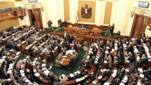 صورة نواب يعترضون على تعيين وزير التموين الجديد.. وعبدالعال يرد: دستوري