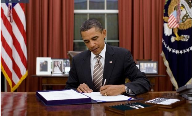 صورة مجلة تقدم عرضاً لأوباما للعمل بها.. وهذا هو رد الرئيس الأمريكي