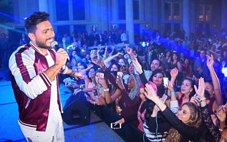 صورة بالصور.. تامر حسني يُحيي أولى حفلاته الغنائية فى جولاته بأمريكا