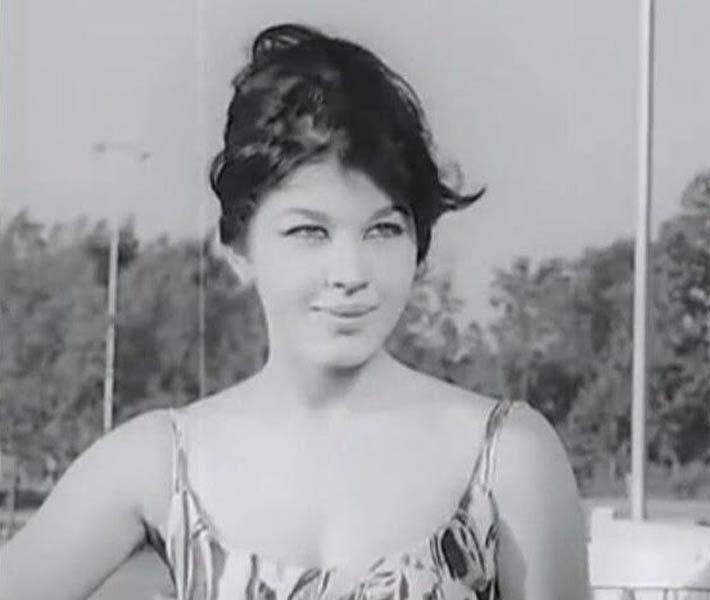 صورة بالفيديو 7 أغاني شهيرة لشويكار أضاءت أفلامها