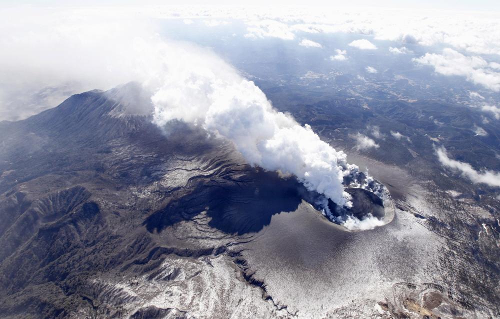 على تحذيرات للطيران بعد زلزال ضرب أكبر براكين أيسلندا 1