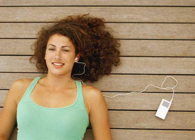 صورة هذه الطريقة الصحيحة لتنظيف سماعة الأذن: إحذر استخدام شخص آخر لها