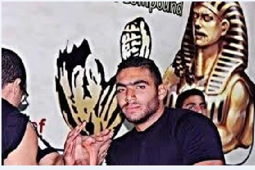 صورة بالفيديو.. طالب بجامعة بنها يسحق إسرائيلياً في مصارعة الذراعين ببلغاريا