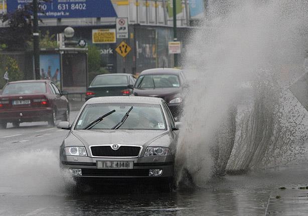 صورة نصائح فنية لقيادة السيارات وسط الأمطار الغزيرة