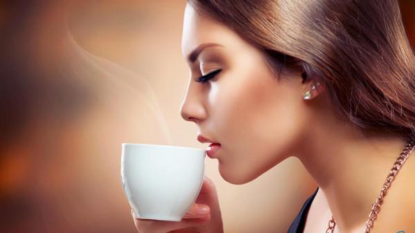 ما تفعله 3 أكواب قهوة يومياً بالنساء